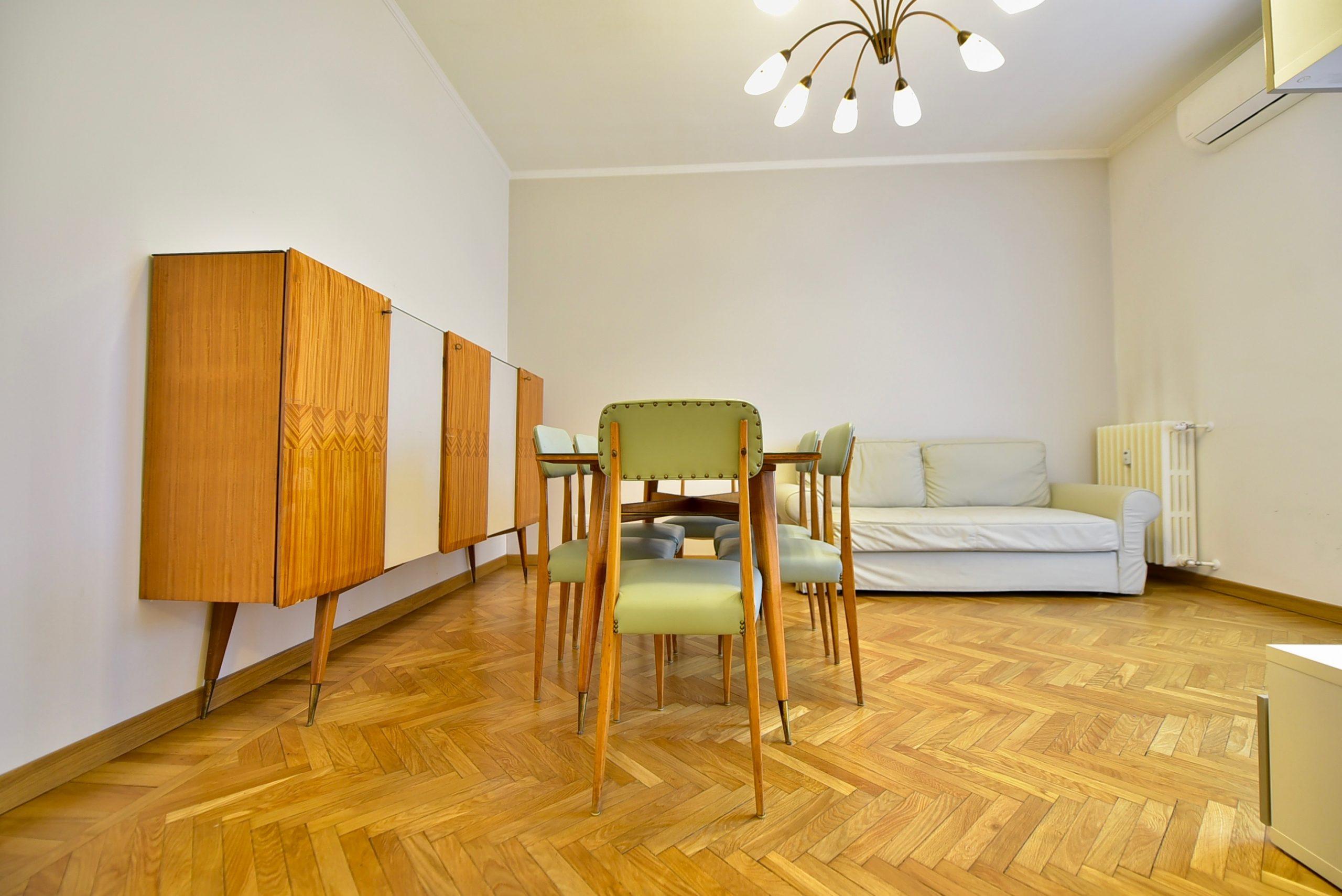 Adiacenze Via Vivaio – Appartamento Con Balcone;