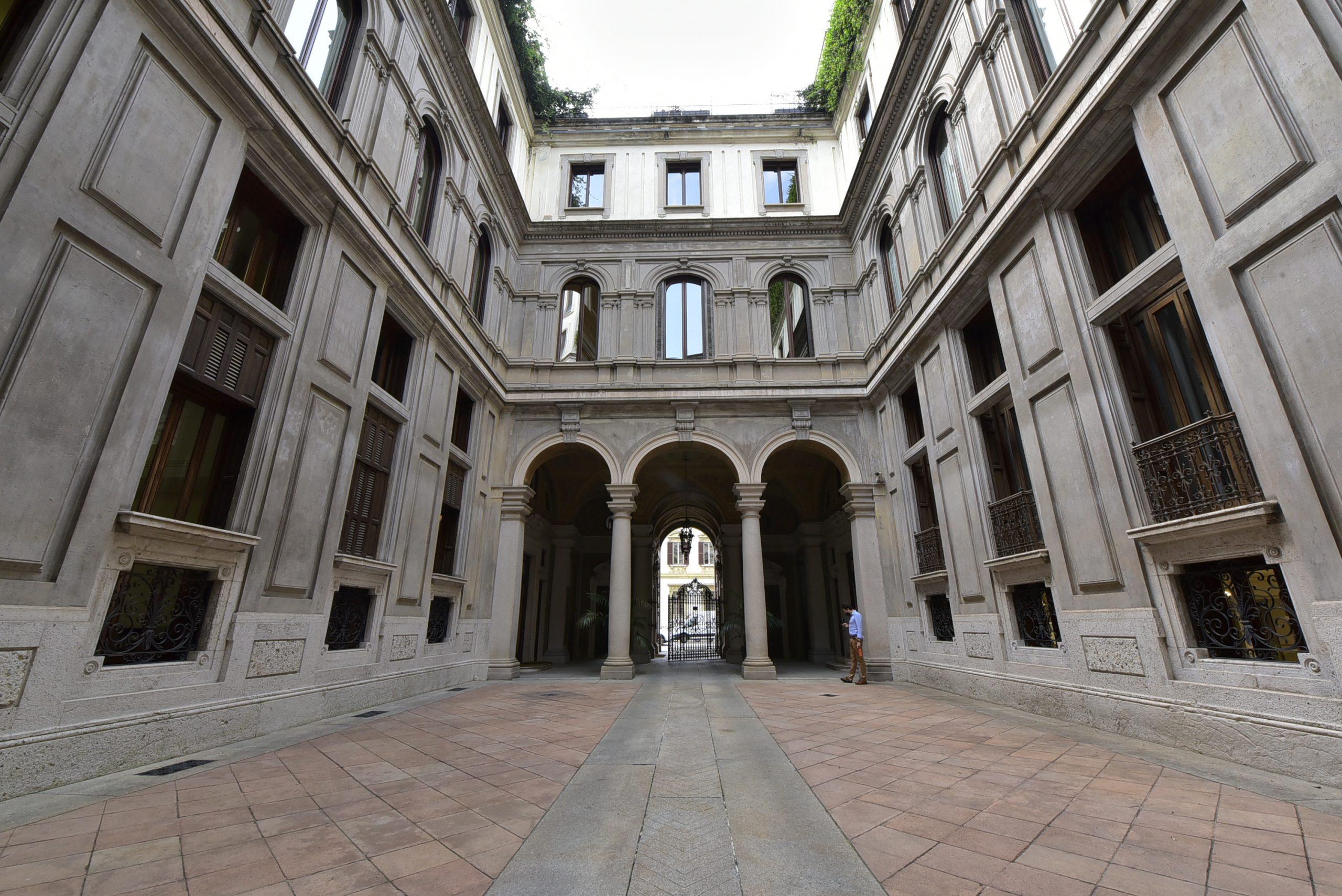 Corso Venezia – Ufficio Con Finiture Di Pregio;